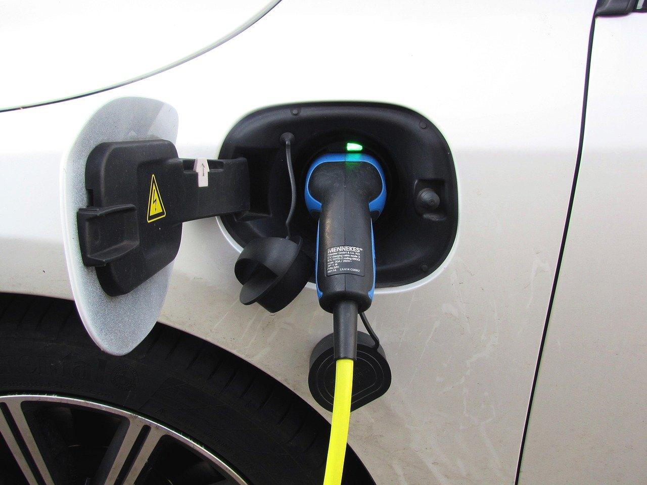 installer borne recharge voiture électrique